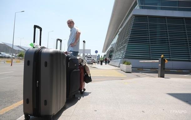 США отменили проверку на коронавирус в аэропортах